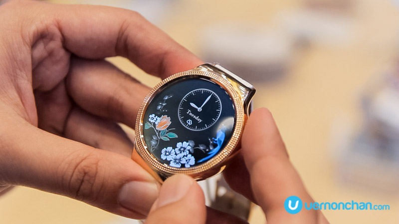 Huawei Watch goes bling with Swarovski for the ladies