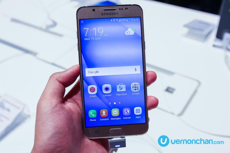 Samsung Galaxy J (2016) launch