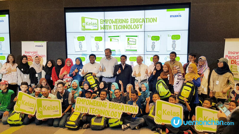 Maxis eKelas brings digital education to rural and urban poor communities