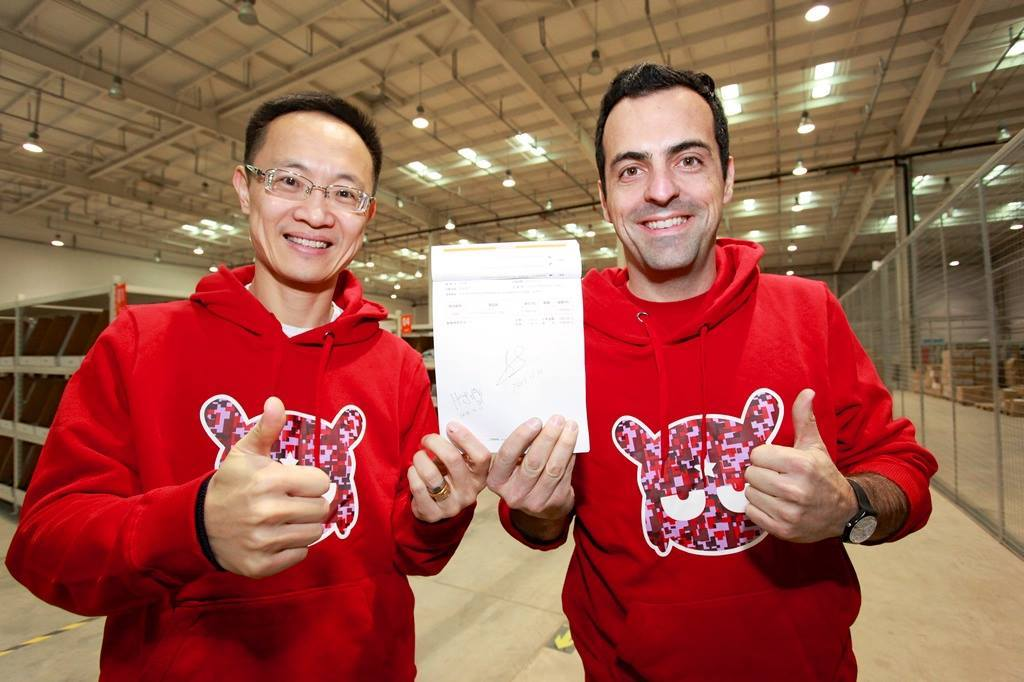 Here's a shocker: Hugo Barra is leaving Xiaomi