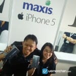 The happy couple, one of the first owners of the iPhone 5 in Malaysia