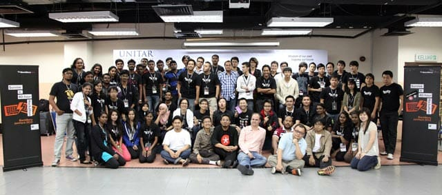 Participants-of-BlackBerry-JamHack-2012-Malaysia-LR