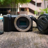 [Review] Sony Alpha A5000: Move over, NEX