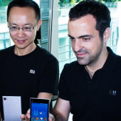 Bin Lin and Hugo Barra at the Mi3 launch in Kuala Lumpur