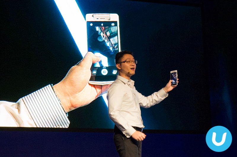 Sean Deng, CEO of OPPO Singapore with the OPPO N3