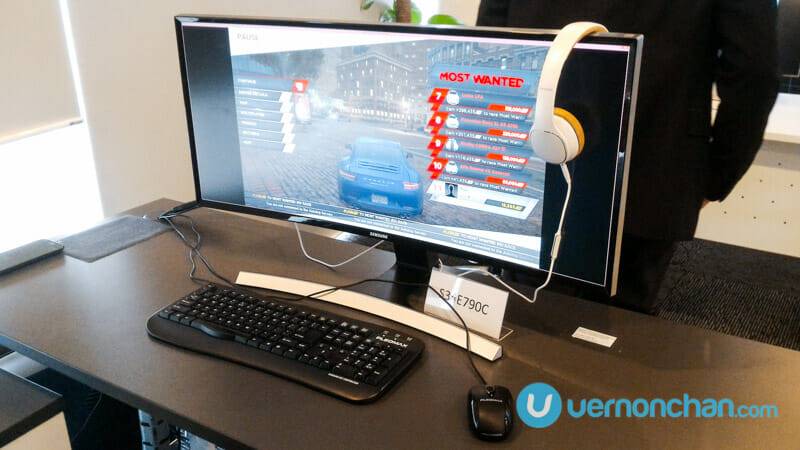 Samsung Curved Monitor: Experiencing the new curved frontier