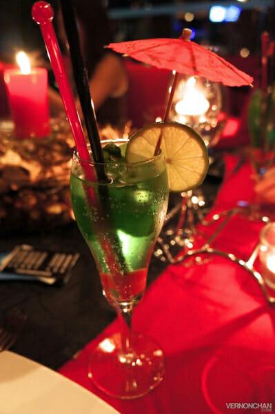 Green sparkling mocktail